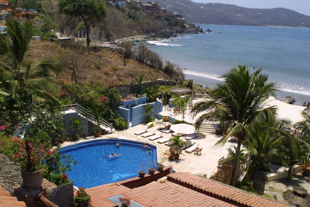 Aura del Mar, Zihuatanejo, the pool