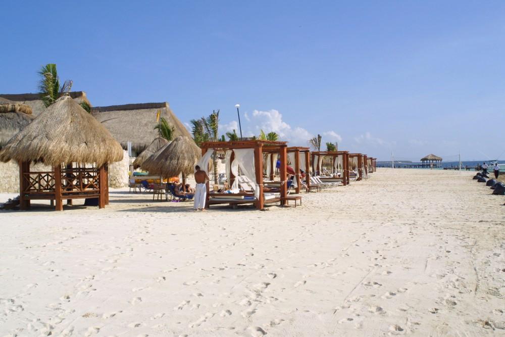 Azul Beach, the beach