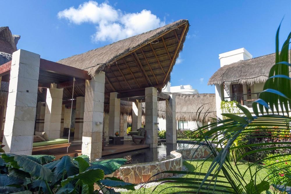 Azul Beach, the lobby
