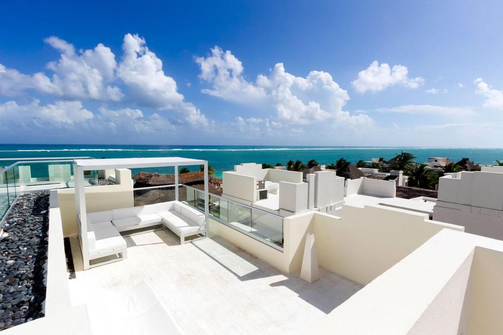 Azul Beach, Sky Deck