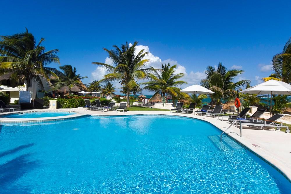 Azul Beach, the pools