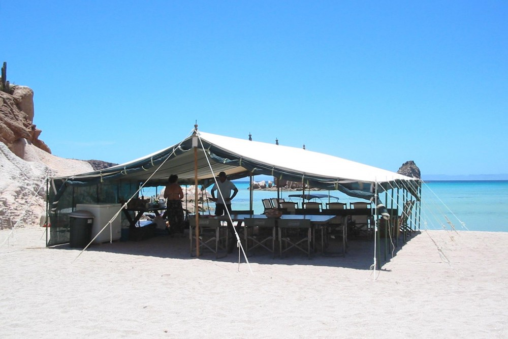 Baja Camp, isla Espiritu Santo, the restaurant
