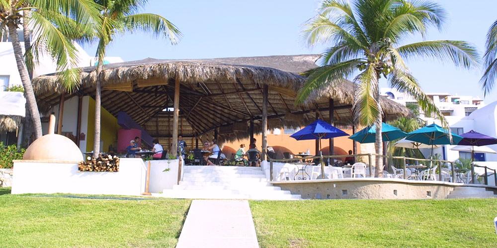 Camino Real Zaashila, Restaurant