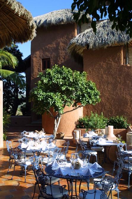 La Casa que Canta, Zihuatanejo, the restaurant