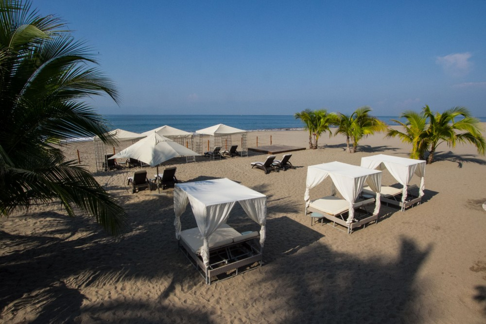 Casa Velas Hotel Boutique Puerto Vallarta, the beach club