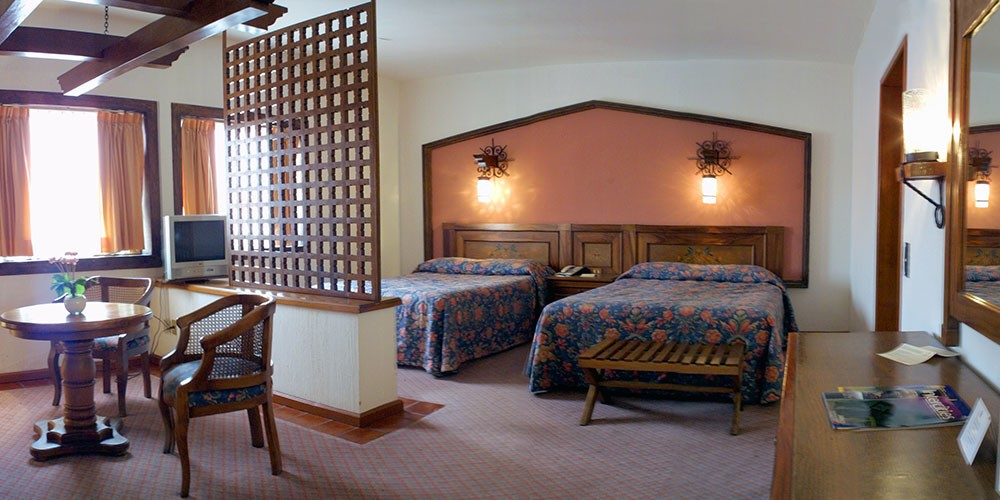 Hotel De Mendoza, Guadalajara, a Junior Suite