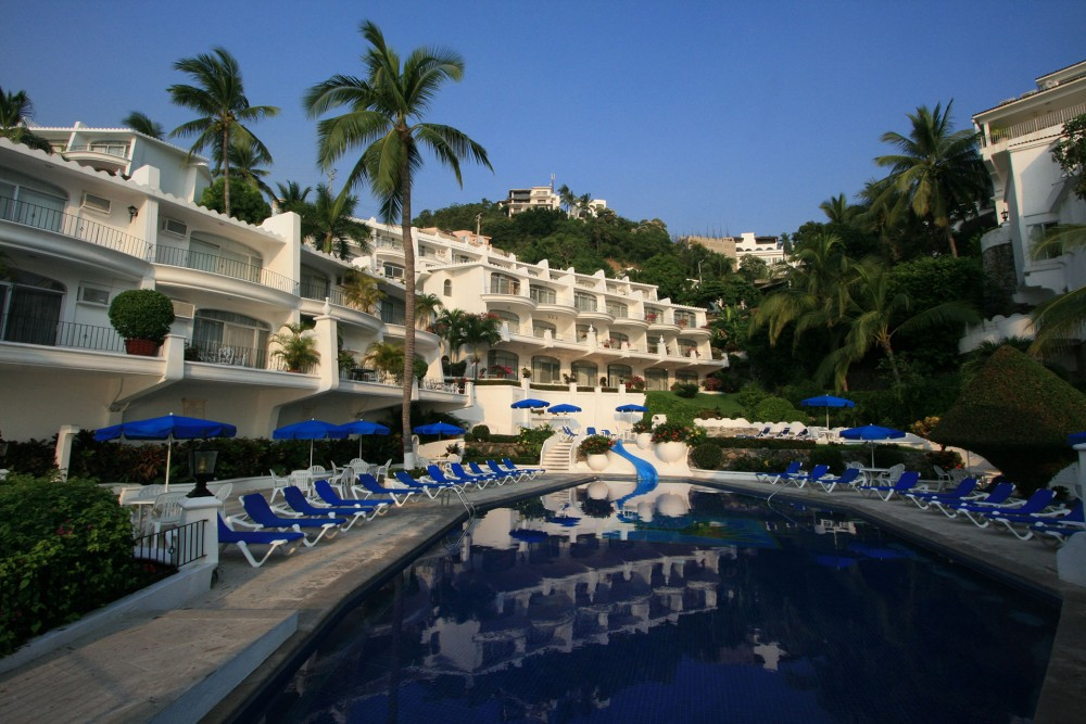Dolphin Cove Inn, Manzanillo, the pool