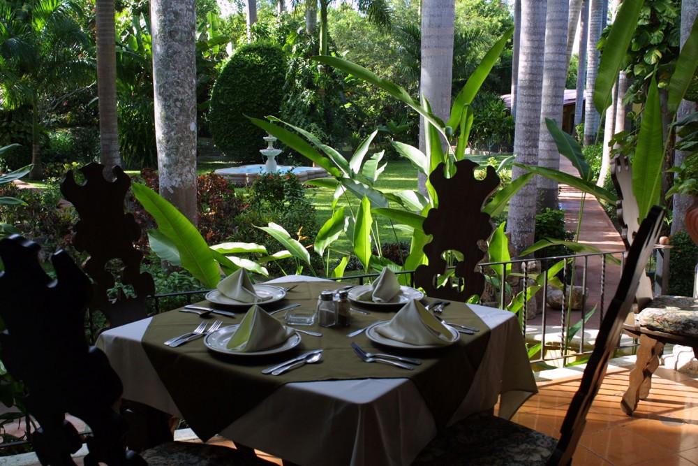 Hacienda Chichen, Chichen Itza, the restaurant