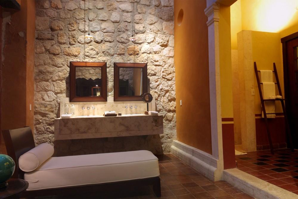 Hacienda Puerta Campeche, junior suite bathroom