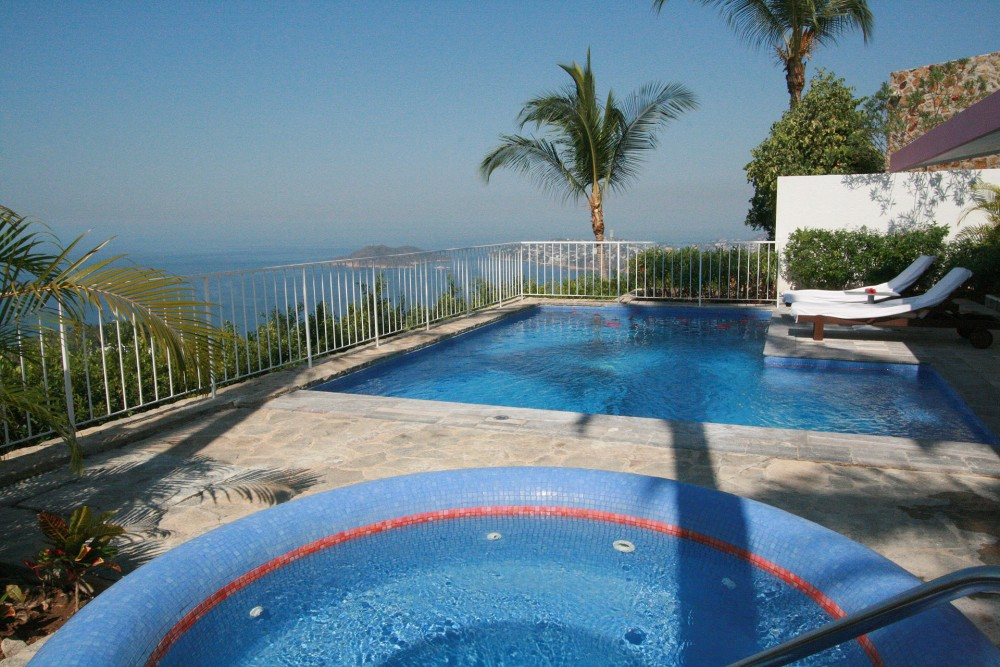 Las Brisas Acapulco, Jacuzzi Suite