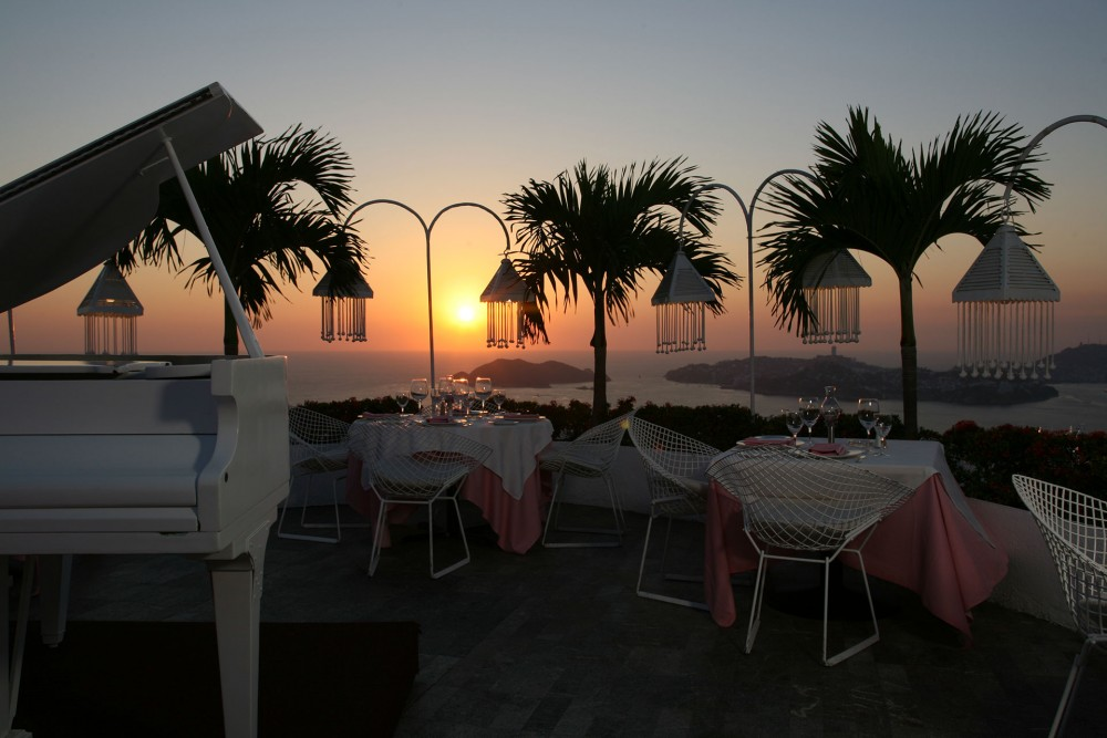 Las Brisas Acapulco, the restaurant