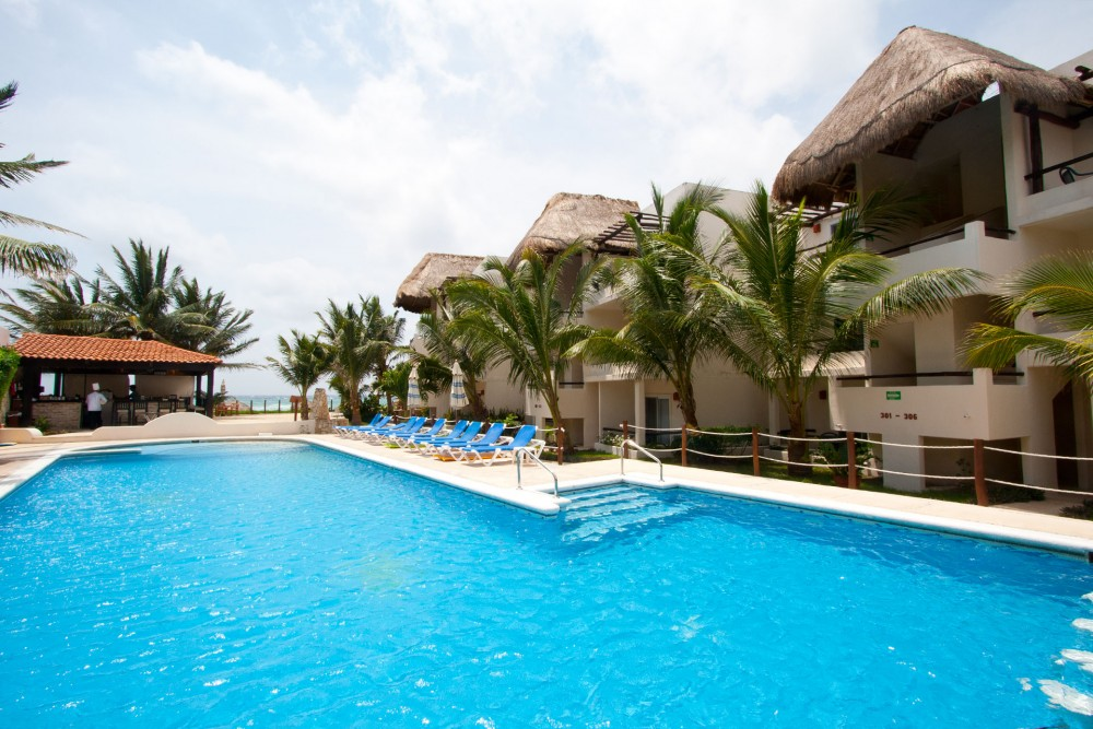 Petit Lafitte, Riviera Maya, the pool