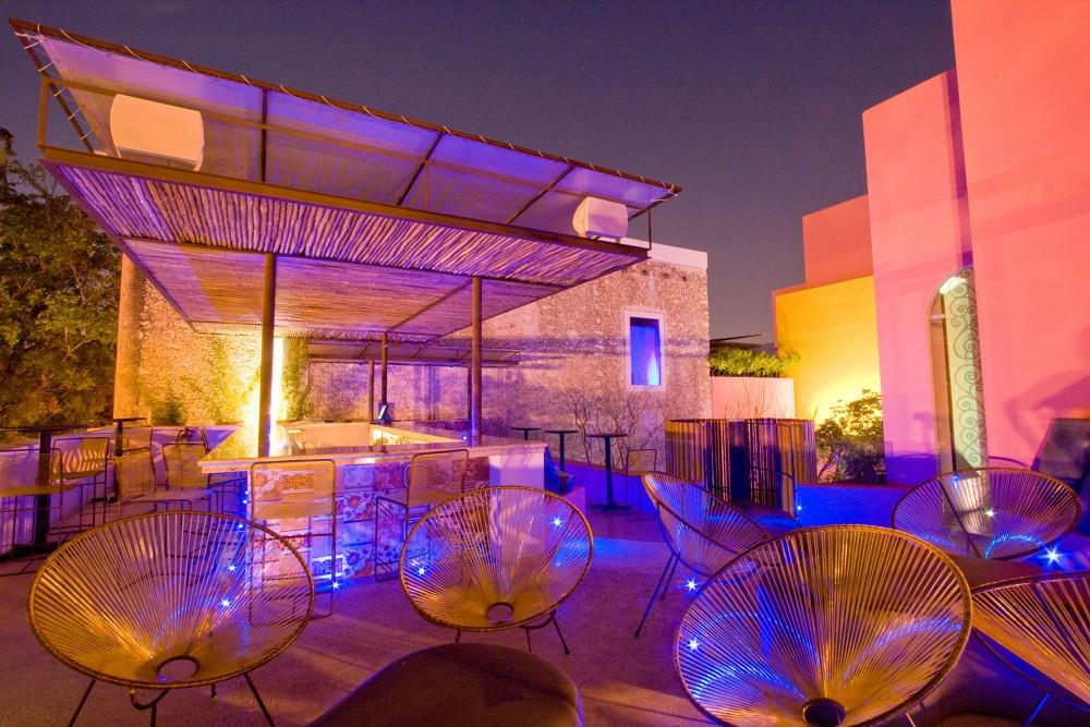 Rosas y Xocolate, Merida, the moon lounge