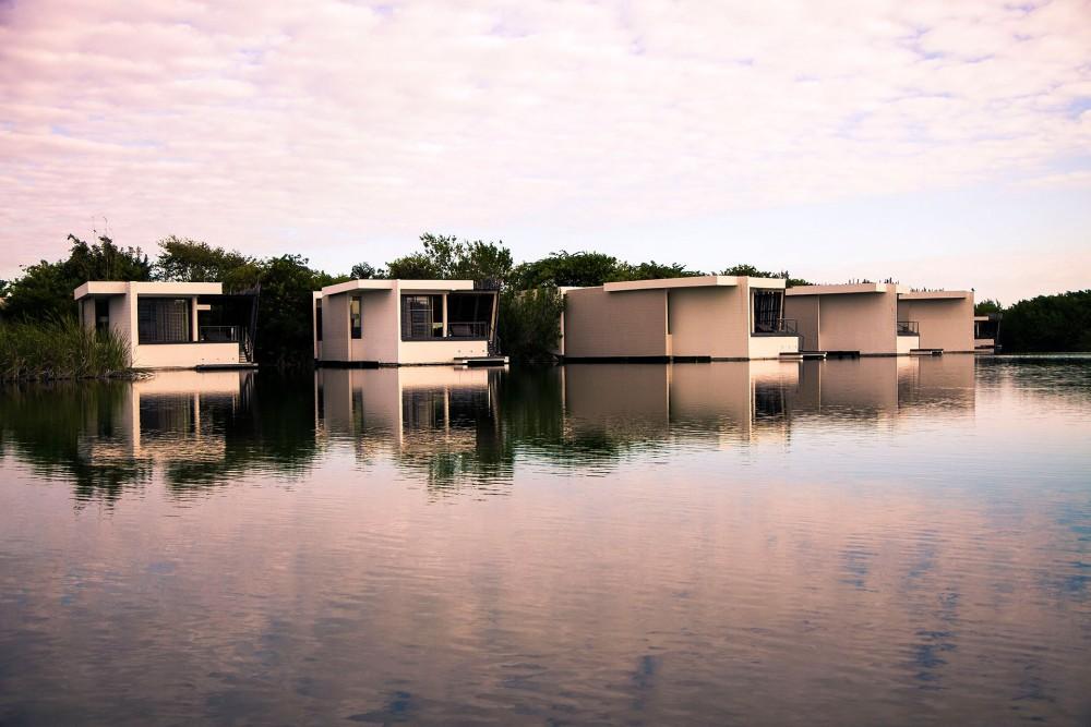 Rosewood Mayakoba, Deluxe Overwater Lagoon Suite