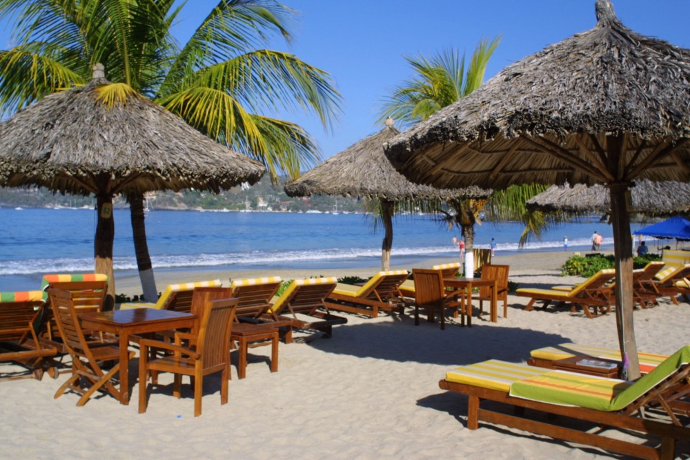 Viceroy Zihuatanejo, the beach