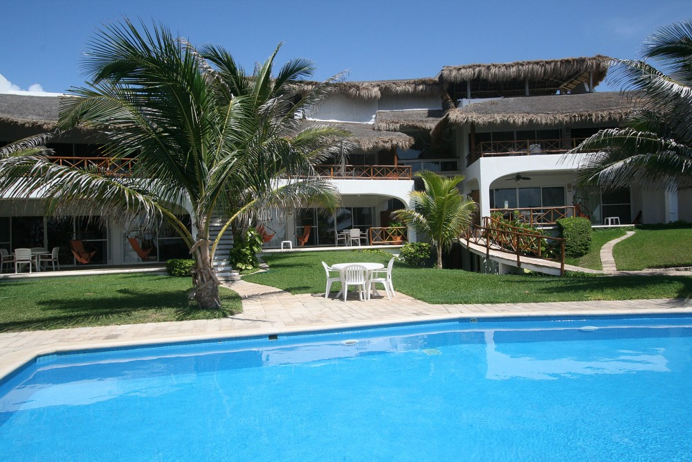 Las Villas Akumal Suites and Pool